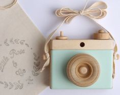 Wooden Camera Homemade Wooden Toy Camera by LittleRoseandCo Wooden Camera, Wooden Figurines, Toy Camera, Little Rose, Creative Play, Imaginative Play, Wood Toys, Wooden Diy, Diy For Kids
