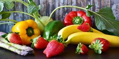 Is it possible to lose weight effectively through basic nutrition? Here you can find out what the … - Diet and Nutrition Fruit Benefits, Health Benefits, Healthy Snacks, Healthy Recipes, Stay Healthy, Eating Healthy, Healthy Living, Meal Delivery Service, Milk And Eggs