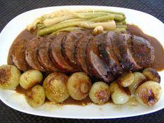 Carne de cerdo rellena y en salsa