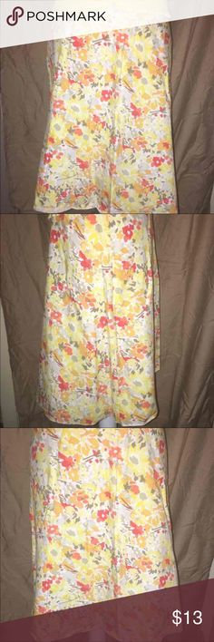 NWOT EXPRESS A LINE YELLOW PRINT SKIRT SZ SMALL This beautiful express A-line skirt has colors of yellow and orange and tan and white all throughout it it has an elastic stretch material to it and a wide waistband with a zipper in the back that is him it is also 22 inches from the waist and is in excellent condition! Express Skirts A-Line or Full