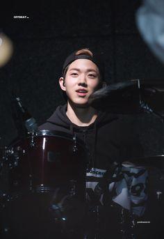 daysix off beat Park Sung Jin, Day6 Dowoon, Kim Wonpil, Young K, Pop Rock, Important People, Korean Bands, Kpop, Rock Bands