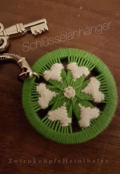 Knitting Stitches, Embroidery Stitches, Loom Board, Dorset Buttons, Key Chain Holder, Diy Buttons, Passementerie, Tatting Patterns, Fabric Bags
