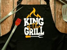 Custom Aprons, Paper Crafts, Diy Crafts, Fathers Day, Cricut, Personalized Aprons, Tissue Paper Crafts, Paper Craft Work, Make Your Own