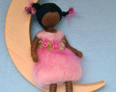 Inspirada de guardería móvil Waldorf muñeca de lana: por MagicWool