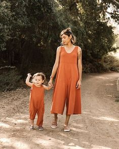 The 7 Top Organic Clothing Brands Sourced and Made in USA on Excited over Organic//Mien Studios. #organicclothing #naturalclothing #madeinamerica #organicclothingkidschildren #jumpsuit  #affiliate #organicclothingwomen #mienstudios