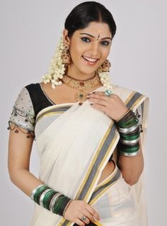 mallu-actress-in-kerala-set-saree-mundu