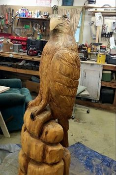 eagle chainsaw carved