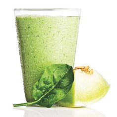 Some smoothies can pack up to 400+ calories in a 20-ounce cup. Here's 8 healthy low calorie smoothie recipes.    Smoothie Tips:  ADD ICE LAST:Adding ice first may cause you to overblend, leaving you with a watery drink. IF YOU