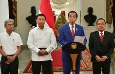 Berita Islam ! Akhirnya Presiden Jokowi Keluarkan Pernyataan Resmi Soal Krisis di Myanmar... Bantu Share ! http://ift.tt/2vXqohV Akhirnya Presiden Jokowi Keluarkan Pernyataan Resmi Soal Krisis di Myanmar  Presiden Republik Indonesia Joko Widodo (Jokowi) akhirnya mengeluarkan pernyataan resmi terkait ksi kekerasan yang terjadi terhadap Etnis Muslim Rohingya di negara bagian Rakhine di Myanmar. Presiden mengungkapkan penyesalannya terhadap sekaligus menjelaskan aksi nyata Indonesia untuk…