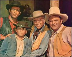 Pernell Roberts, Michael Landon, Lorne Greene, and Dan Blocker from Bonanza. I love this show! Pernell Roberts, Best Tv Shows, Favorite Tv Shows, Movies And Tv Shows, Michael Landon, Mejores Series Tv, Cinema Tv, Tv Westerns, Anos 60