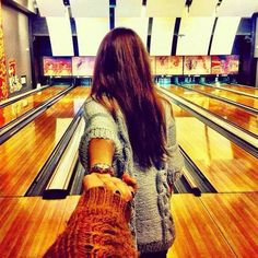 the bowling alley. (c) Murad Osmann I Series, Photo Series, Bowling Pictures, Murad Osmann, Ends Of The Earth, Photo Couple, Foto Pose, Couple Pictures, Family Pictures