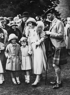The Duke and Duchess of York, later Queen Elizabeth - and King… Lady Elizabeth, Princess Elizabeth, Royal Queen, Queen Mary, George Vi, English Royal Family, Duchess Of York, Queen Of England, English Royalty