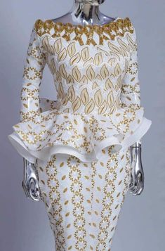 Latest African Fashion Dresses, African Dresses For Women, African Wear, African Attire, African Women, Ankara Dress Designs, African Fashion Traditional, Africa Fashion, Women's Fashion