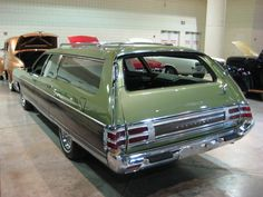1973 Chrysler Town & Country station wagon - a stunning example Station Wagon Cars, Vista Cruiser, Plymouth Cars, Chrysler Town And Country, Conceptual Design, Car Manufacturers, Rear Seat, Mopar, Vintage Cars