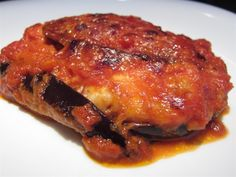 Parmigiana di melanzane - olasz rakott padlizsán Vegetable Recipes, Vegetarian Recipes, Wok, Pesto, Main Dishes, Bacon, Food And Drink, Favorite Recipes, Italy