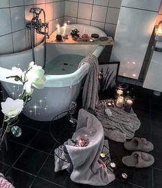 🌸💗Credit: @home_byhhr 💫 . . . . . . . . #bathroominspo#bathroom#baderom #badrum#homespa#nordicdesign#nordicinspiration#nordicliving#nordicinterior#scandinaviandesign#scandinavianstyle#scandinavianhome#interiorandhome