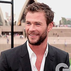 simply chris hemsworth
