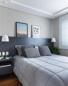 Come scegliere i colori, le forme giuste per una camera stretta? Ecco gli esempi più belli di design. Modern Bedroom Decor, Stylish Bedroom, Home Bedroom, Bedroom Furniture, Living Room Decor, Master Bedroom, Bedroom Ideas, Contemporary Bedroom, Master Suite