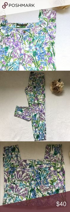 zara ankle zip pants Uh-mazing Zara floral ankle zip pants! Gorgeous white, green, blue and purple pattern. Button and zip closure, pockets in front and back, zippered ankles. Size medium. Excellent, like new condition! Zara Pants Skinny
