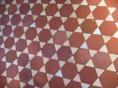 <div class='infos_produit'><span class='nom_produit'>antique terracotta hexagon & diamonds tiles</span><span class='favori_produit' id='3736' est_favori='0'><span class='etoile'></span>Add to bookmark</span></div>