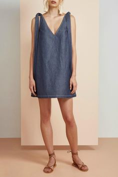 f48298ef390 The Finders Keepers Pablo dress is a boxy fit dress with tie shoulder  straps