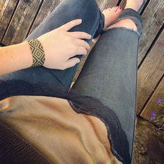 Jean H&M haut Zara bracelet Pashupati
