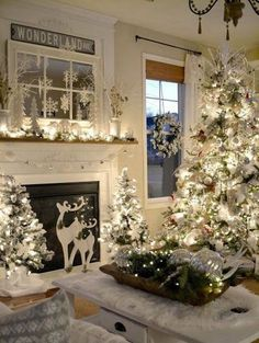 Are you searching for inspiration for farmhouse christmas decor? Check out the post right here for very best farmhouse christmas decor pictures. This specific farmhouse christmas decor ideas looks entirely superb. Diy Christmas Fireplace, Farmhouse Christmas Decor, Christmas Mantels, Rustic Christmas, Elegant Christmas, White Christmas Decorations Diy, Farmhouse Decor, Farmhouse Ideas, Christmas Decor For Mantle