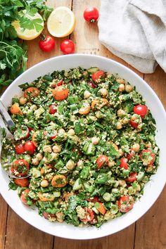 orientalisches Rezept für Kicherebsen Taboulé mit Hirse, Dill, Minze und Petersilie. Vegan und glutenfrei