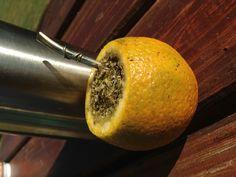 Tereré fresquito en una naranja!