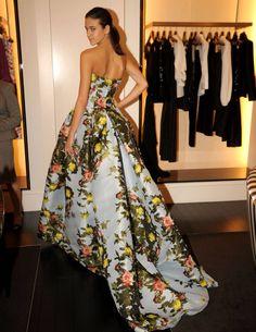 "The ""it"" Carolina Herrera gown."