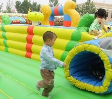 Games for a 2 year old's birthday party  Love the ball pit, building blocks, bubbles, and maybe puppet show idea!