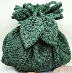 Bee-u-ti-ful knit handbag!