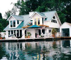 Floating Houses, Portland, Oregon. Oh do I love this