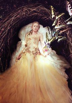 Ad Campaign: Hian Tjen  Model: Milena Stepien  Hair & Makeup: Yoga Septa  Photographer: Luki for Lukimages