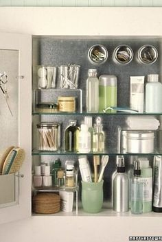 Magnetic storage & hooks in the bathroom cabinet. i think i might have a case of OCD Organisation Hacks, Bathroom Organization, Bathroom Storage, Storage Organization, Organized Bathroom, Door Storage, Cabinet Storage, Bathroom Interior, Bathroom Ideas