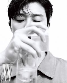 Instagram 上的 Park Seo Joon (Fan Page) ❤️:「 Park Seo Joon for @wkorea 😳🤭😍🤍 Omg the photo shoot came out 🔥 W Korea July issue (Cover Star) He looks so so handsome…. I have no words… 」 Kang Seung Yoon, Lee Sung Kyung, Ryu Jun Yeol, Ahn Hyo Seop, Shin Min Ah, W Korea, Park Seo Jun, Song Mino, Seo Joon