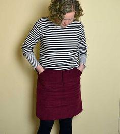 My new favourite skirt is on the blog - the @grainlinestudio #mossskirt. How I wish I hadn't left it in my UFO pile for so long! #memadeeveryday #isew #handmadewardrobe #sewing #finishupfridaymossskirt,isew,memadeeveryday,handmadewardrobe,sewing,finishupfridayholmsown