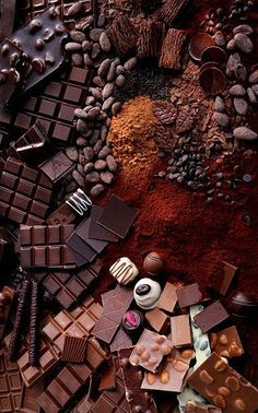 Take the one you want- Toma el que quieras Take the one you want - - Chocolade Chocolate Cereal, Chocolate World, Chocolate Dreams, Chocolate Sweets, I Love Chocolate, Chocolate Coffee, Chocolate Lovers, Orange Box, Food Wallpaper
