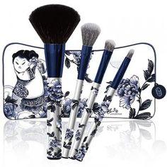 Lam Sam Yick Blue and White Porcelain LE set Powder: goat E/s: goat E/s flat: squirrel Lip: synthetic