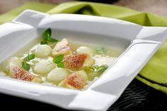 Sopa de melón, higos y hierbabuena, adorable!! Rescatemos la hierbabuena del vaso de mojito #aquesabe