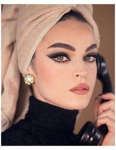 Makeup Goals, Makeup Inspo, Makeup Art, Makeup Inspiration, Hair Makeup, Makeup Eyes, Photo Makeup, Alien Makeup, Pin Up Makeup