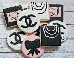 Chanel+Sugar+Cookies+by+SugarbeeGoodies+on+Etsy,+$38.00