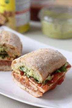 Mexican torta – the best sandwich EVER! Refried beans, guacamole, salsa, cheese … Mexican torta – the best sandwich EVER! Tortas Sandwich, Veggie Sandwich, Best Sandwich, Vegetarian Sandwiches, Sandwich Ideas, Sandwich Recipes, Veggie Recipes, Mexican Food Recipes, Vegetarian Recipes