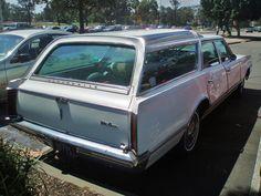 1966 Oldsmobile Vista Cruiser Station Wagon