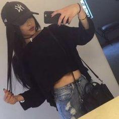 And baseball cap. Swag Style, My Style, Oufits Casual, Casual Outfits, Dope Outfits, Winter Outfits, Girls Tumblrs, Gina Lorena, Teen Fashion