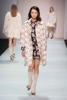 Au Jour Le Jour at Milan Fashion Week Fall 2014 - StyleBistro: