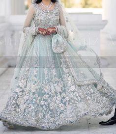 Asian Wedding Dress Pakistani, Indian Wedding Gowns, Asian Bridal Dresses, Pakistani Dresses Casual, Indian Fashion Dresses, Wedding Dresses For Girls, Pakistani Dress Design, Party Wear Dresses, Bridal Outfits