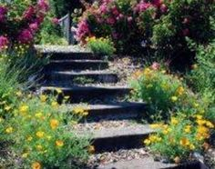 How to Make Steps in a Garden Slope | eHow.com