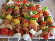Grill Recipe - Hawaiian Chicken Kabobs - South Beach Diet phase 2 (because of fruit) Summer Recipes, New Recipes, Dinner Recipes, Favorite Recipes, Healthy Recipes, Salad Recipes, Recipies, I Love Food, Good Food