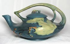 ROSEVILLE POTTERY, BUSHBERRY BLUE TEAPOT, GREAT HANDLE,